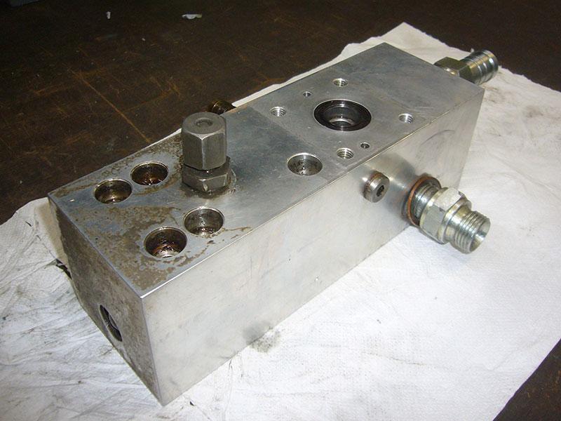 Reparatur / Service hydraulischer Geräte